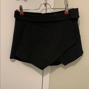 Cute Zara Skort with Pockets!